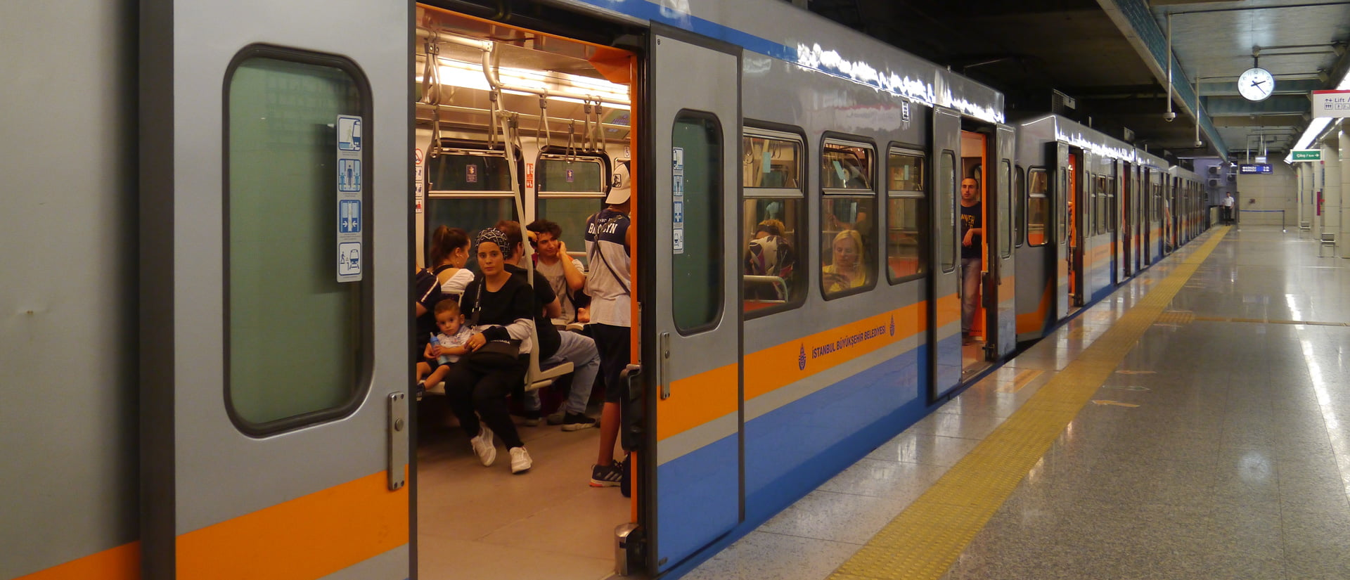 How to use Istanbul's Metro