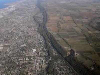 Ниагарский откос – возвышение, что простирается на сотни миль