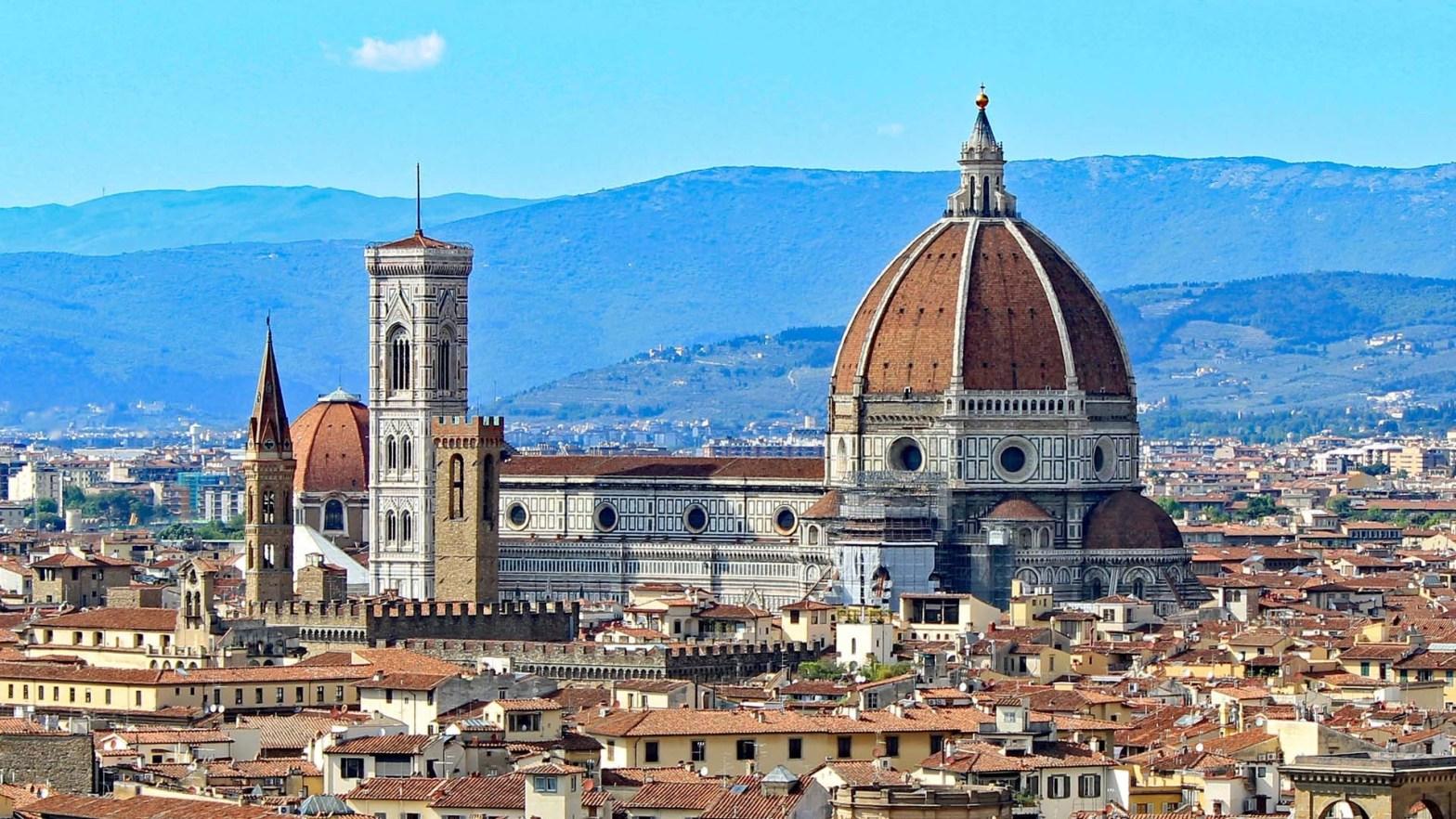 Il Duomo e la Cupola del Brunelleschi a Firenze, in Italia
