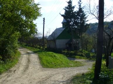 A templom előtti domb