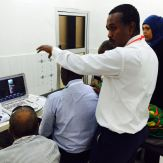 dr-sami-mahmoud-explaining-a-scan-to-group