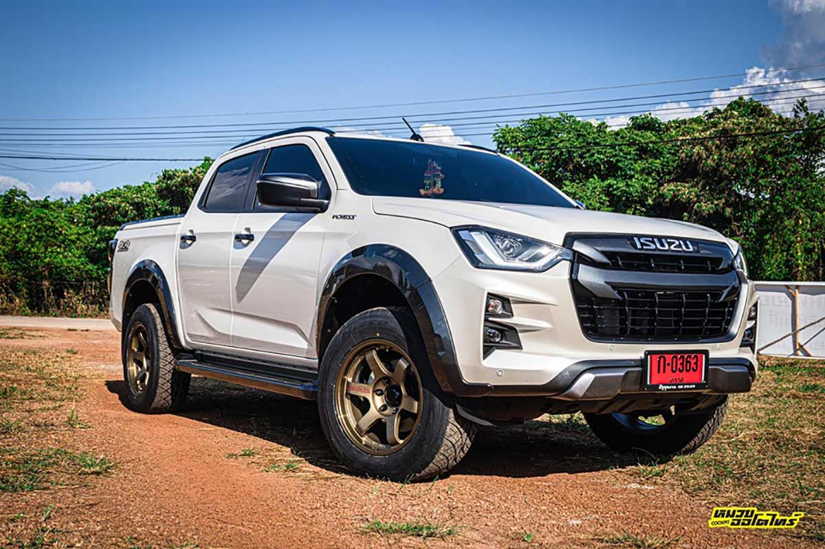 all new isuzu dmax te37 suv 01
