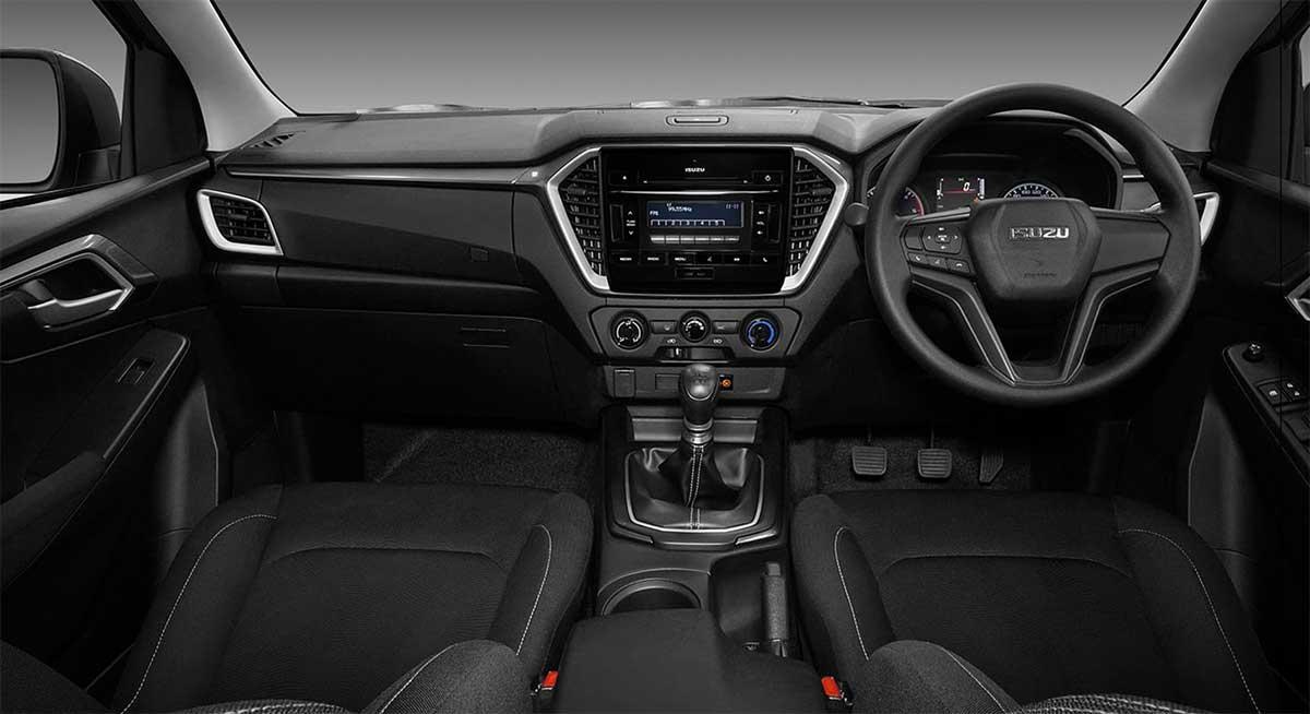 all new isuzu dmax cab4 1 9 l white interior