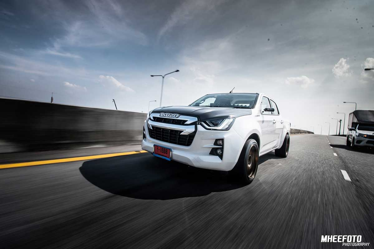 all new isuzu dmax mheefoto 01