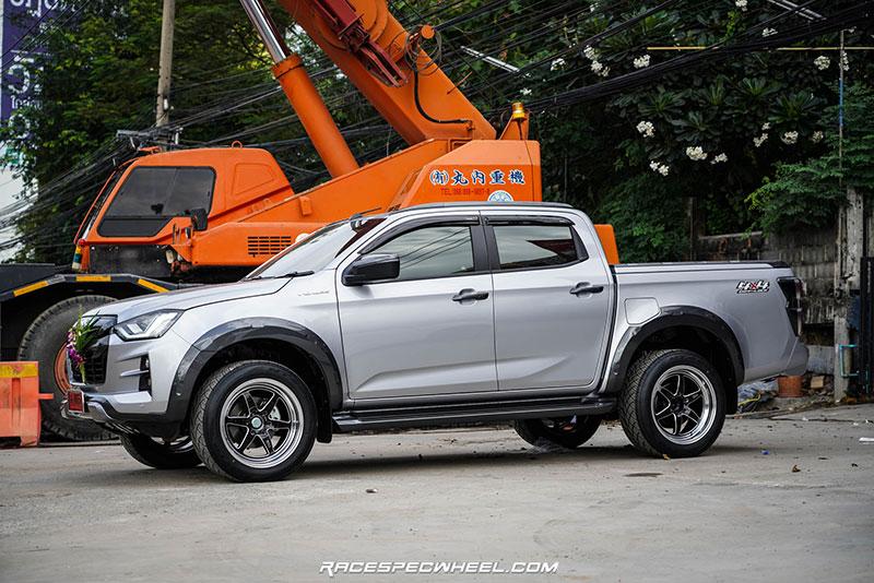 all new isuzu dmax vcross weld 03