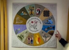 A finnugor kulturális évet szimbolizáló foltvarró munka