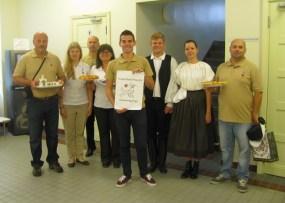 2015 augusztusa, iszkaszentgyörgyi delegáció Tartuban, ahol a falu elnyerte a nemzetközi címet