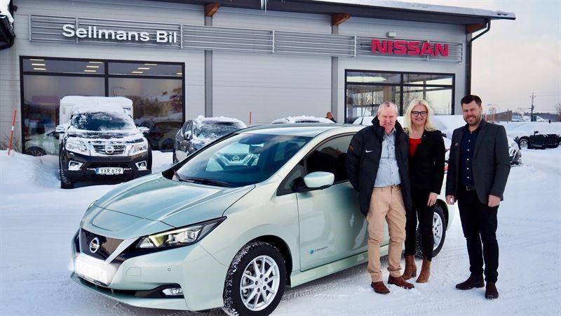 Sellmans Bil i Hudiksvall levererar Sverige's första nya Nissan LEAF