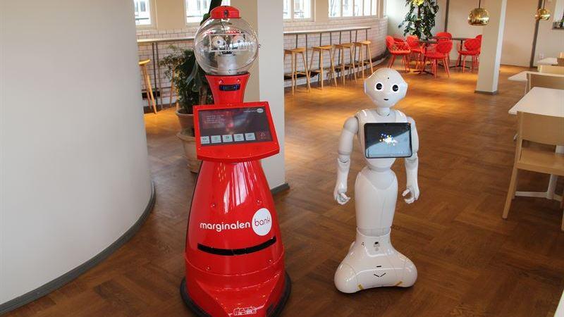 Humanoidrobotarna Pepper och Scitos börjar på Marginalen Bank