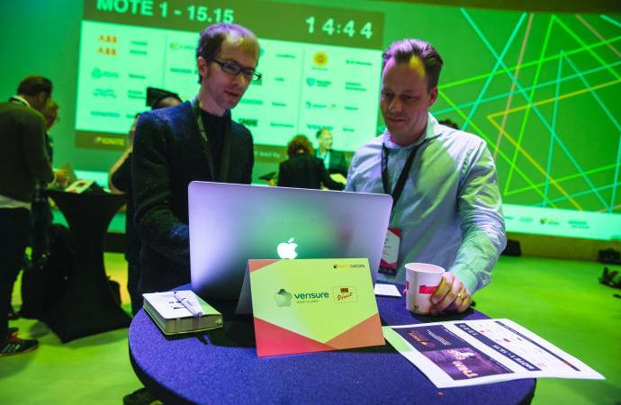 Startups från inkubatorer och science parks får sällskap av Prins Carl Philip under Hannovermässan