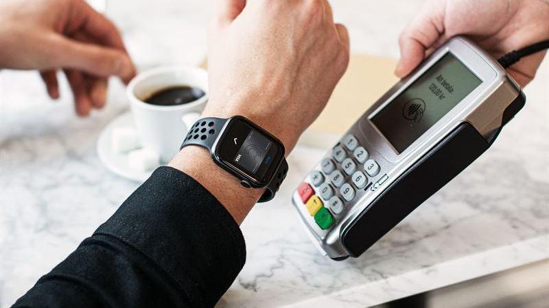 Idag lanseras Apple Pay till Volvofinans Banks kunder