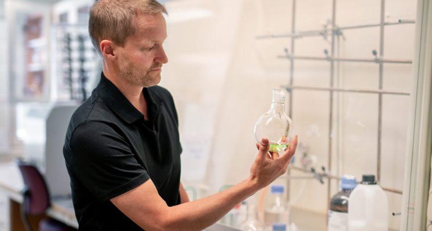 Umeåforskare vill rädda miljontals liv årligen – med ny antibiotika