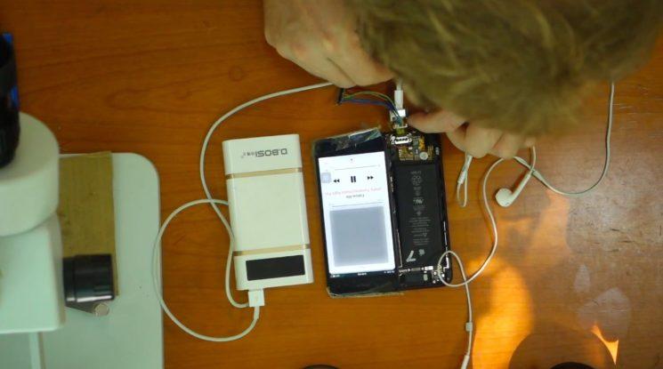 DIY-iPhone-7-headphone-jack-Scotty-Allen-image-001-745×415