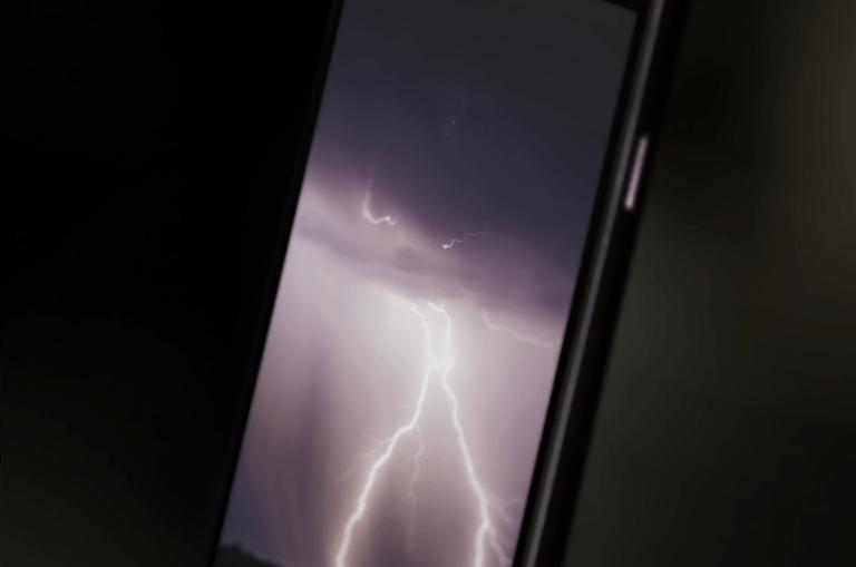 iPhone-X-Wallpaper-Daniel-Huffman-iDownloadBlog-Pack-1b-768×564