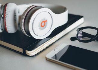 Beats_Headphone_wallpaper