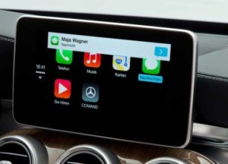 Listening-to-WhatsApp-Messages-While-Driving-1024×427