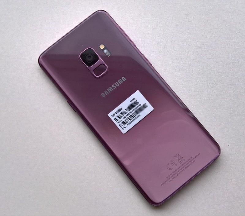 Специалисты сравнили смартфон Meizu E3 сGalaxy 9 навидео