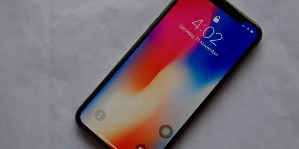 iPhone-X-Lock-screen-No-Notifications-Locked