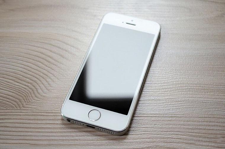 НаApple подан групповой иск от63767 пользователей iPhone