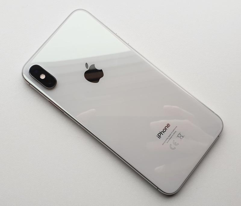 Apple могут запретить ввозить iPhone вСША