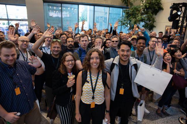WWDC-2019-announcement-crowd