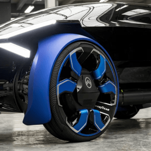 Partnerskab med Citroën i forbindelse med deres 100 års jubilæum med henblik på at levere selvkørende, elektrisk mobilitet 1