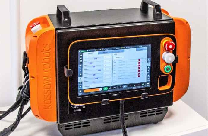 Transportabel robotstyring til Kassow Robots fra innovativ tavleproducent
