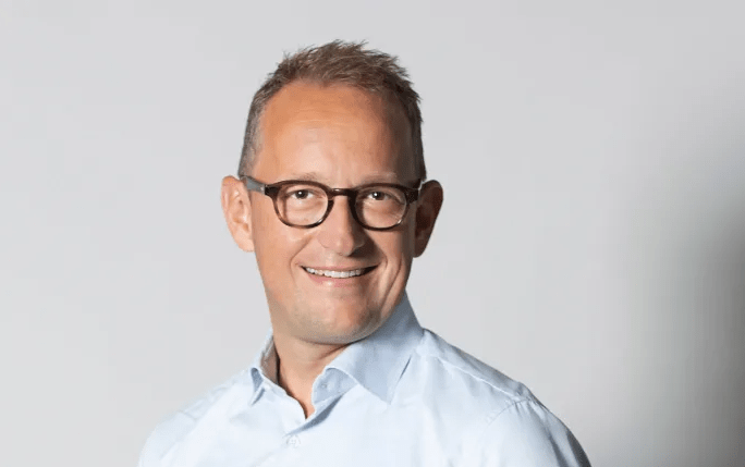 Forandringer i Dustins koncernledelse – forstærker organisationen i Nederlandene og rekrutterer ny EVP HR