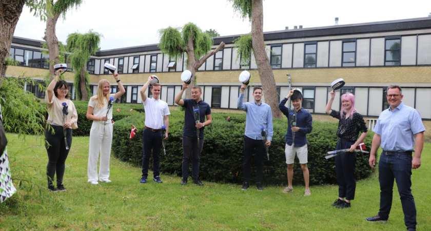 Studenterne springer ud på H.C. Ørsted Gymnasiet