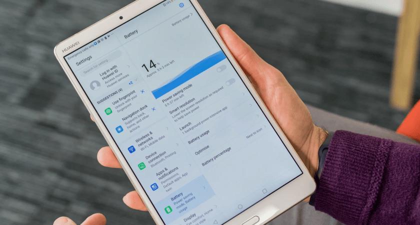 Ny undersökning från Huawei: Läsa mail, nyheter och ha med på resan – det använder svenskarna surfplattor till
