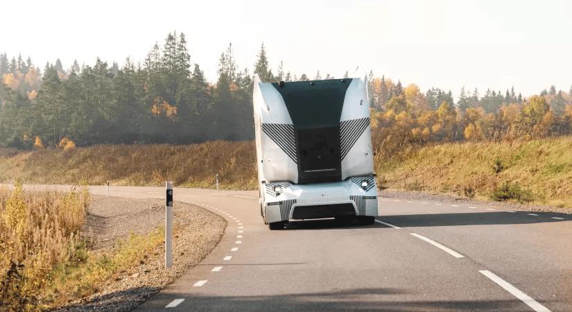 Einride, Ericsson och Telia lanserar självkörande ellastbilar i nytt 5G-samarbete