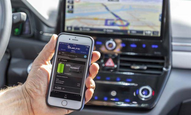 Hyundai kopplar upp nya modeller med Bluelink