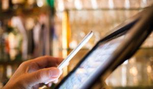 akamai-shop-smart-phone-online-shopping