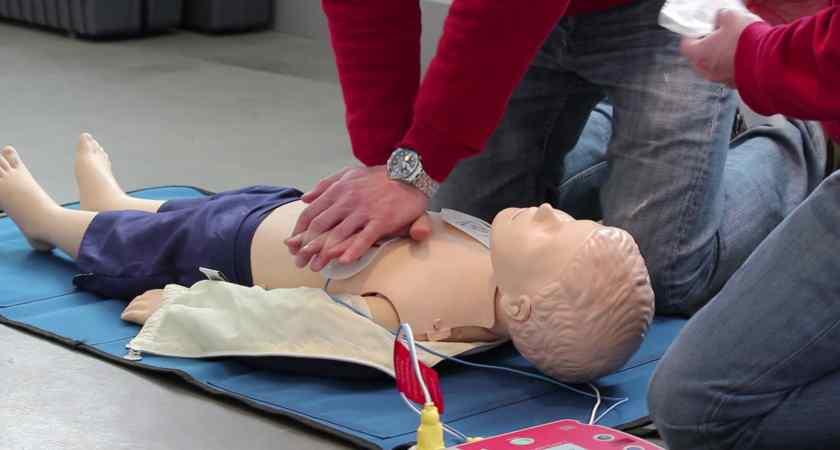 Digital satsning utbildar förskollärare i hjärt- och lungräddning för barn