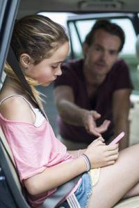 Endast en av tio föräldrar agerar om de ser något kränkande i sociala medier 3