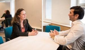 Chefer får studenter som mentorer i nytt samarbete 2