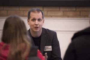 Erik Lindenius tilldelas Umeå studentkårs pedagogiska pris 1