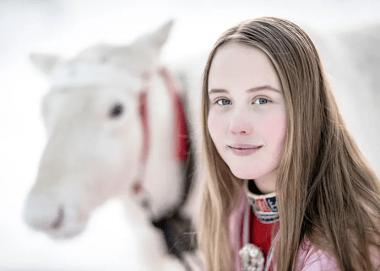 Nu finns en samisk temaväska för lärare i grundskolan 1