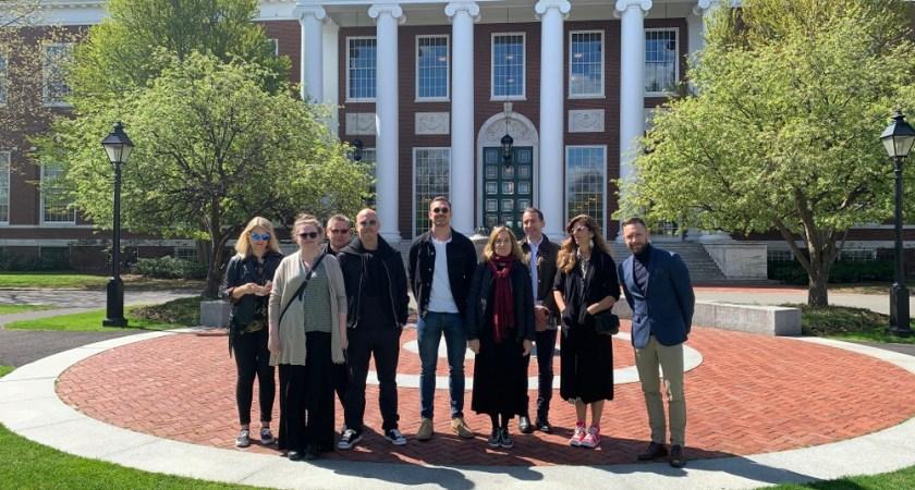 Svenska gymnasieskolor besöker Harvard Business School