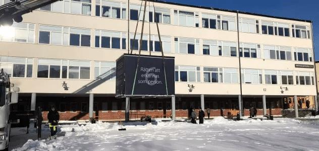Kuber flyttas från elva skolgårdar i Stockholm