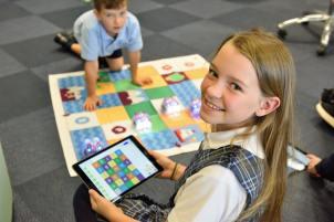 Programmering är barnens framtidiga språk. EURid på Codeweek: fjärde året i rad! 1
