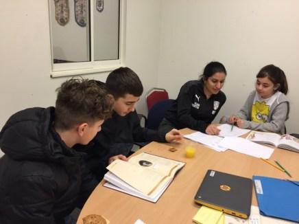 Barn och unga i Södra Ryd kombinerar studier med fotboll 2