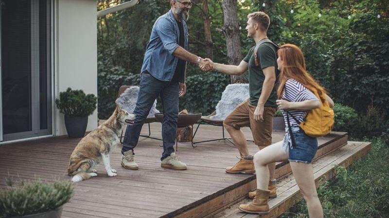 Booking.com spanar in den senaste trenden inom boende och avslöjar att det gäller att hitta rätt balans när man är värd