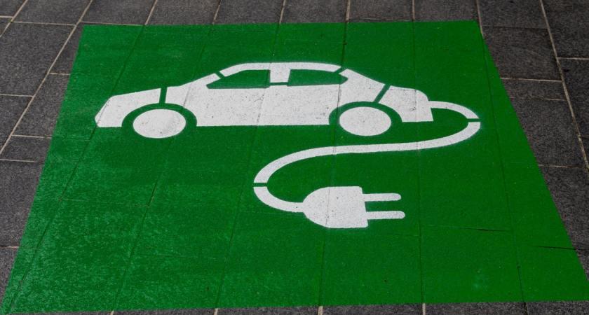 Stor ökning av elbilar – men många osäkra på laddning