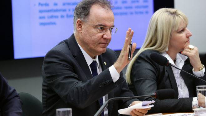 Relator deixa estados e municípios fora da nova versão de proposta de reforma da Previdência