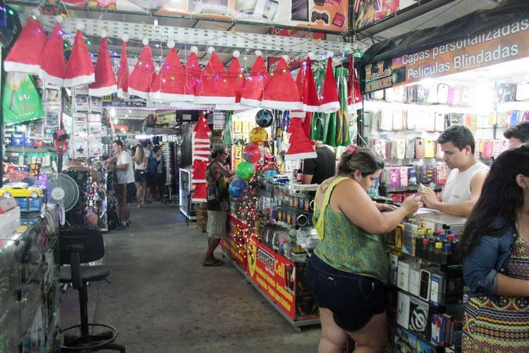 Energia restabelecida no Shopping Popular