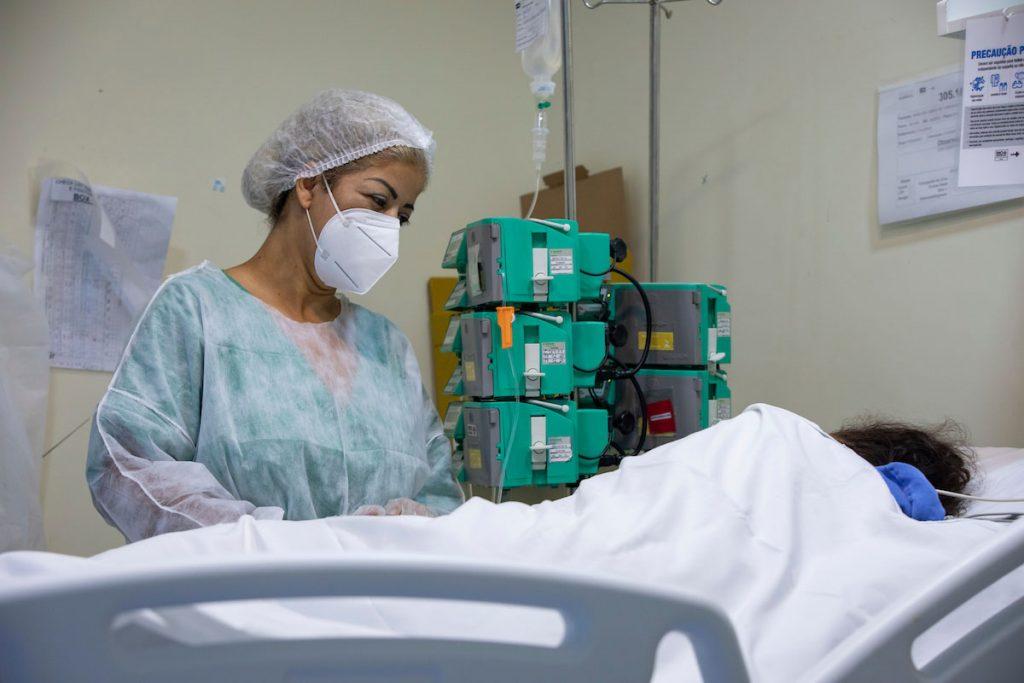 Prefeitura do Rio usa sedativos de unidades veterinárias para atender pacientes com Covid-19 no Ronaldo Gazolla