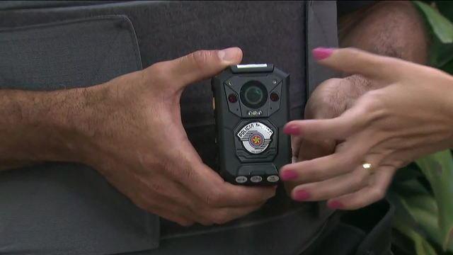 Deputados aprovam câmeras em uniforme de policiais do RJ após operação no Jacarezinho