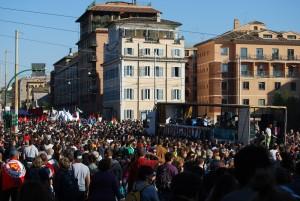 """Roma, manifestazione degli """"indignati"""" 15 ottobre 2011 (autore: Lorenzo Pasqualini)"""