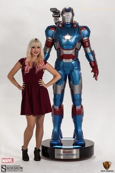 Iron Patriot Iron Patriot Life-Size Figure di Beast Kingdom (5)